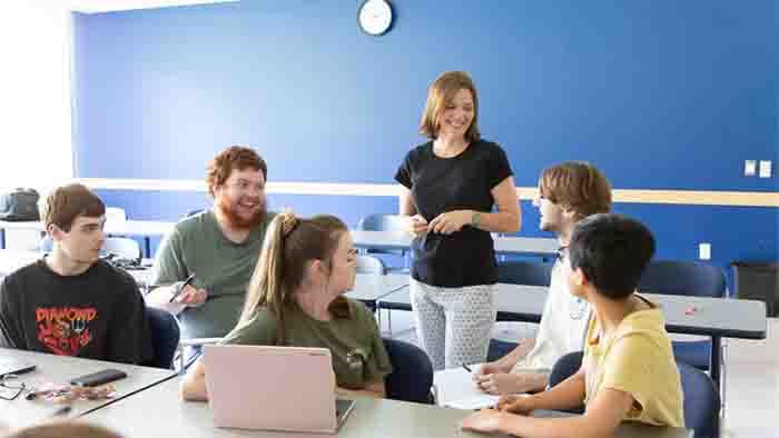 manfaat TIK dalam bidang pendidikan