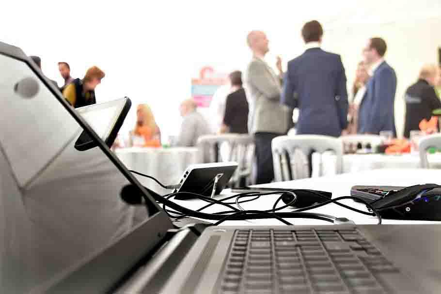 teknologi informasi bisnis